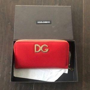 BNWT Dolce and Gabbana Zipper Wallet